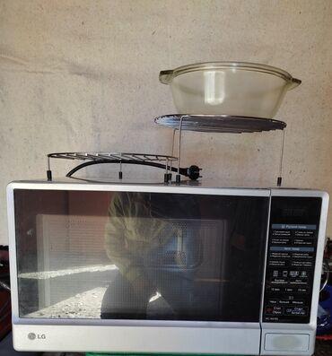 Электроника - Заречное: Продается микроволновая печь LG. Состояние хорошее. Всё работает. Мощн