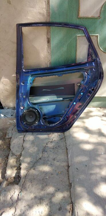 arxa fon - Azərbaycan: Hyundai Elantra ustden cixma Arxa sag qapi.Zavodskoydu germetikalidi
