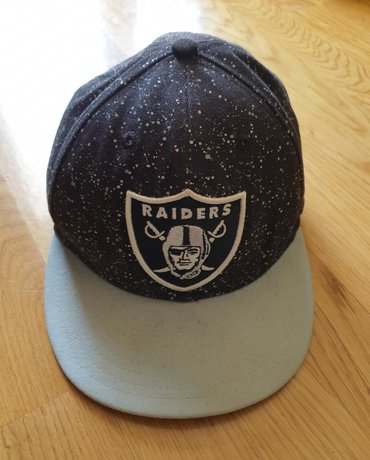 NEW ERA FIFTY 59 fazonski kacket, crni sivi. Pise NFL i Raiders