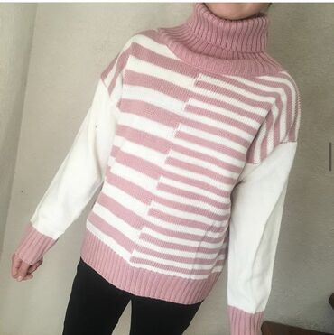 Продаётся свитера новые по всем вопросам обращайтесь ватсап