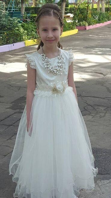Нарядное платье на 8-10 лет. Ожерелье в подарок. Платье после