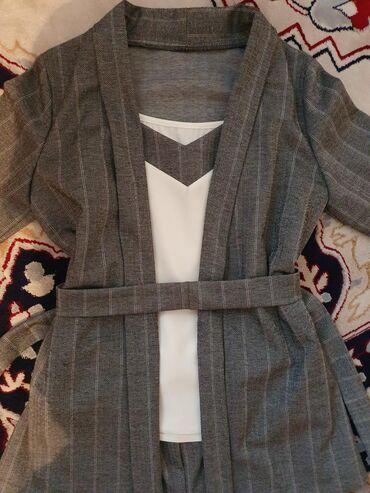 Женская одежда в Кыргызстан: Костюм тройка, брюки на высокой посадке с карманами, майка (новая) и