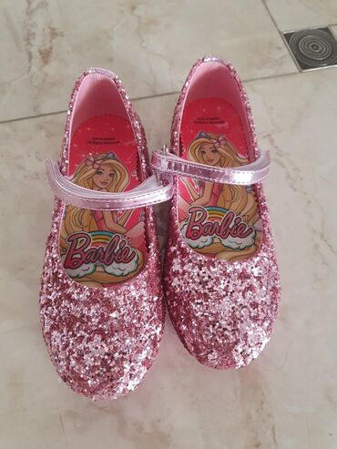 Продаю новый туфельки 28 размер Barby . Заказали из Турции размер не