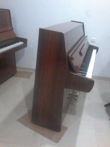 Gəncə şəhərində Gəncədə Akkord Piano Satilir Uc pedalli Orta pedal Sintizator Səsi
