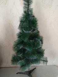 - Azərbaycan: Diqqət Diqqət hundurluyu 1 metr. Gözəl möhtəşəm qar dənəcikli şam ağac