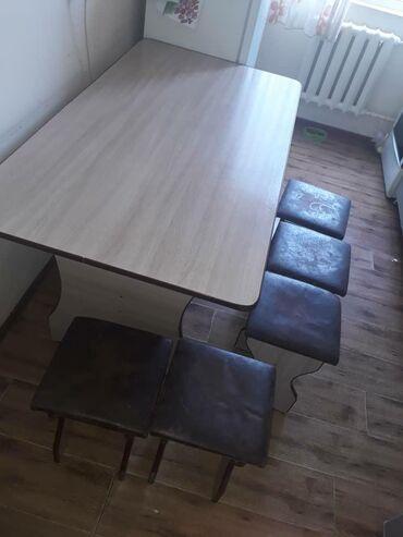 кухонный стол стулья в Кыргызстан: Стол кухонный 1500×800см и 5 стульев