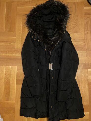 Amisu top - Srbija: Amisu krznena jakna u velicini 40 (M). Ima krzno na kapuljaci i sa
