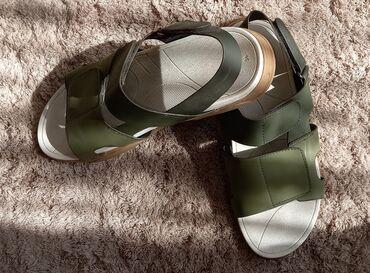 Обувь на мальчика. Хаки сандалии Zara 36 Босоножки Zara 36 Лоуферы 35