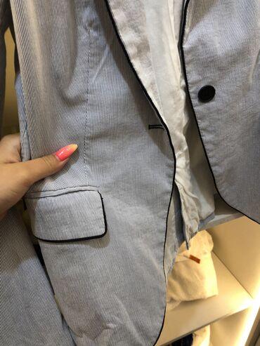 Красивый, силуэтный пиджак от фирмы ZARA Очень красивого цвета, украси