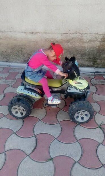 Детский мир - Каракол: Продам квадроцикл рабочий только без аккумулятора. Аккумулятор можно