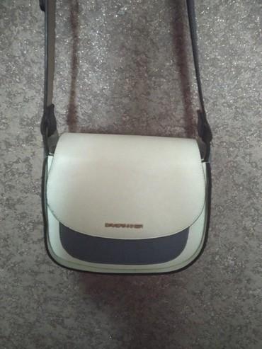 sumka firmy david jones в Кыргызстан: Продаю брендированную сумку David Tanner. в плазе покупала за 2000 сом