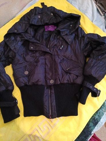 Короткая теплая куртка.насыщенно в Бишкек