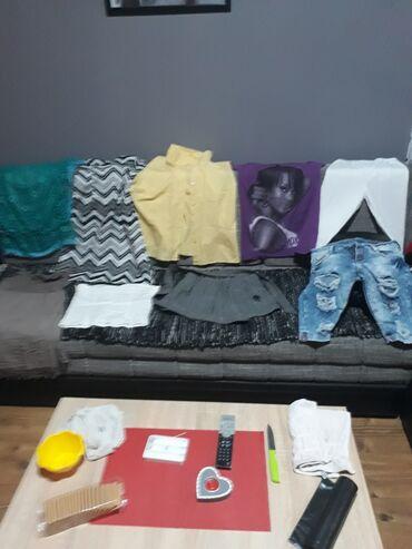 Ženska odeća | Vrbas: Sve za 1300 din.Velicina bermuda i sive mini suknje sa kaisem je 28 a