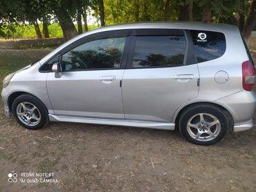 Транспорт - Маевка: Срочно срочно продаю хонда фит об1. 3 год2002 вложений есть мелкие