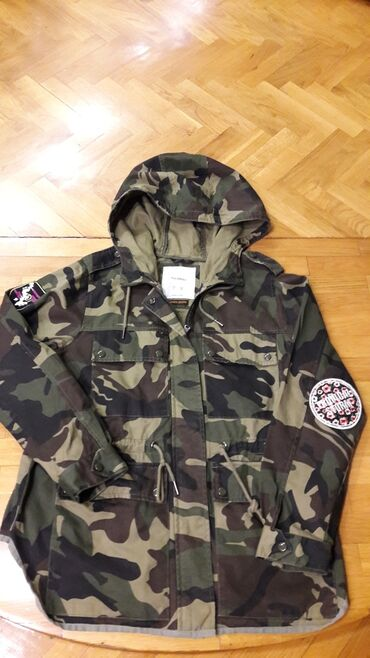 Pull&bear zenska jakna velicina L u odlicnom stanju