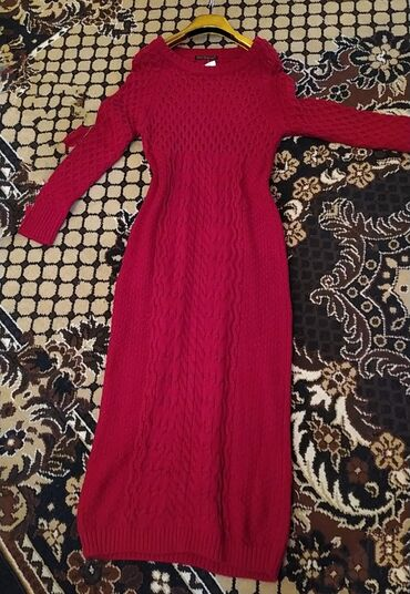 вязанный жакет в Кыргызстан: Продаю новое вязаное платье с этикеткой не разу не одевала, до 50