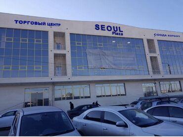 женская одежда вечерние платья в Кыргызстан: Сдаётся бутик в ТЦ Сеул Плаза, 2эт 28 квадратных метров, без оборудова