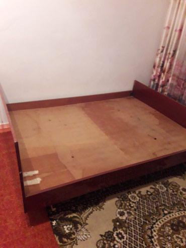 Кровати - Кемин: Двухспальная кровать и шифоньер