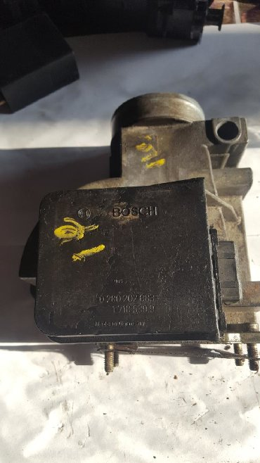zapchasti bmv e28 в Кыргызстан: BMW e28 E34 E30 расходомер 2.0 2.5 88 год 87