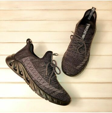 Кроссовки и спортивная обувь в Кыргызстан: Мужские кроссовки. Оригинал. Размер 40,41,42,43,44,45