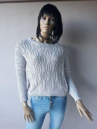 Markirana garderoba - Srbija: Prelep markirani končani džemper bez ikakvih ostecenja Velicina