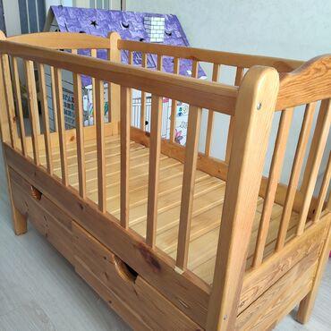 Продается детская кровать манеж из массива дерева. Размер 120х65