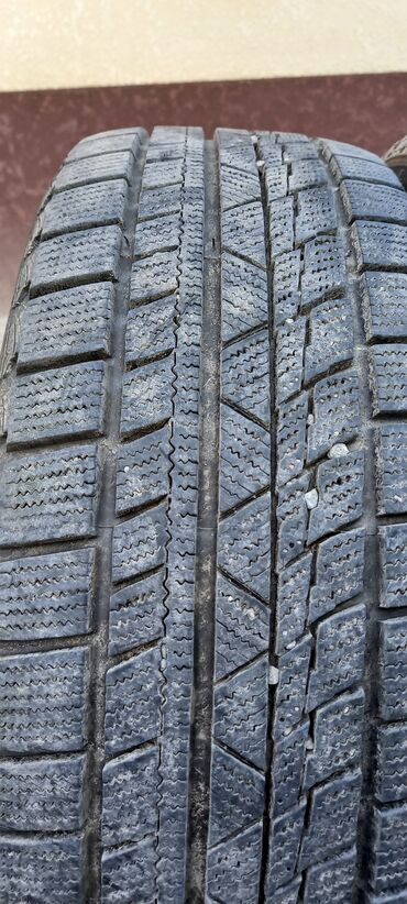 Продаю шины без дисков 90% остатака  Протектора. Без порезов шишек чис