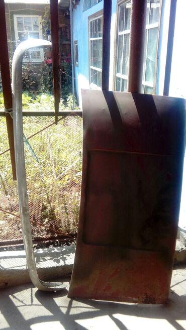 Автозапчасти в Каракол: Автозапчасти задний бампер и крышка богажника( ваз 21011)