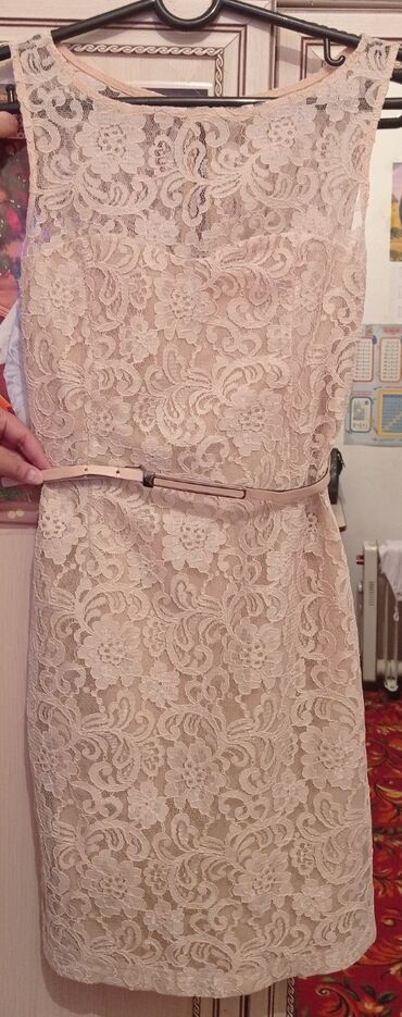 Продаю бежевые платье.Турецкий.Состояние отличное.Размер 44