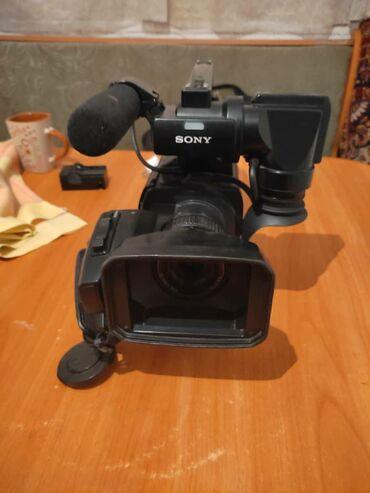 4006 объявлений: Продаю профессиональную видео камеру Sony 1000 в комплект входит