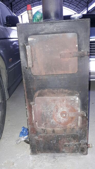 Печи и камины в Кыргызстан: Продается печка (высота 80см, с трубой 130см). Толщ. 3мм