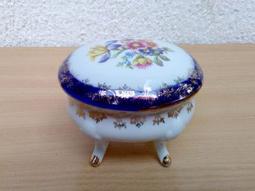 Bordo torbica - Srbija: EXLUZIV - Kutija Porcelan PM BAVARIASkupocena, Fantastična kutja