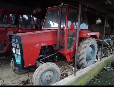 Loznica - Srbija: Traktor IMT 542 Zvati na nula šest četiri nula nula devet osam nula je