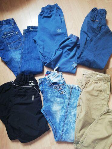 Akcija paket pantalona za decaka 8/9 god sve je ocuvano i kvalitetno