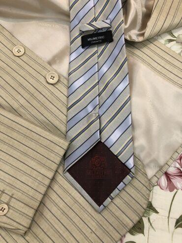 Личные вещи - Баетов: Продаю Турецкий костюм 46раз. Рост 4. Одевался один раз. Галстук в под