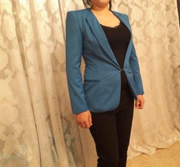 Модный пиджак цвета электро в хорошем состоянии привезли с Турции в Токмак