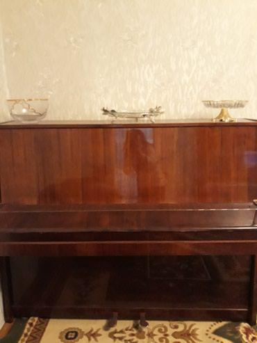 Bakı şəhərində Piano satilir 250 manata.elaqe nomresi
