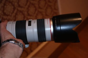 70 200 f4 в Азербайджан: Canon 70-200. f2.8 ideal veziyetde sumkasi da var tecili satiram 880