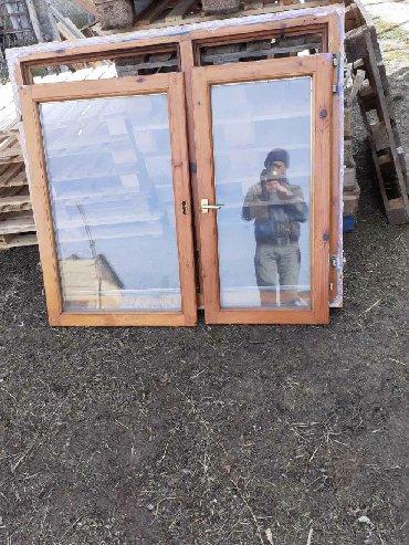 Dva ista prozora za 100e, dimenzije 140 sa 120 Bez ostecenja