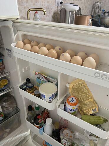 Б/у Двухкамерный Белый холодильник LG