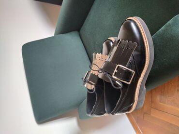 Ženska obuća | Gornji Milanovac: Zara crne cipele, masna sa resama moze da se skida a ima dve strane -