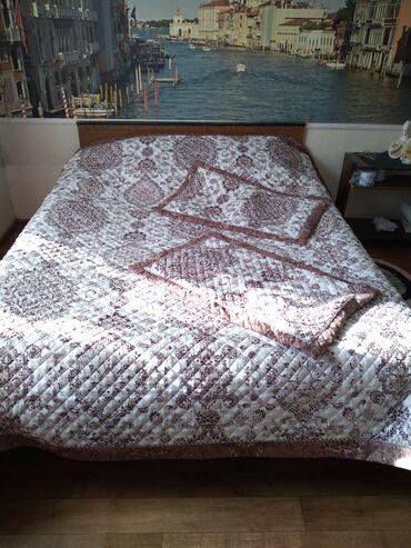 Продаю покрывало на 2х.спальную кровать