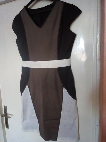 Preis haljina,velicina 42.Nova