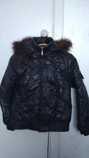 продается почти новая зимняя куртка. одевалась один раз. размер 46-48. в Каракол