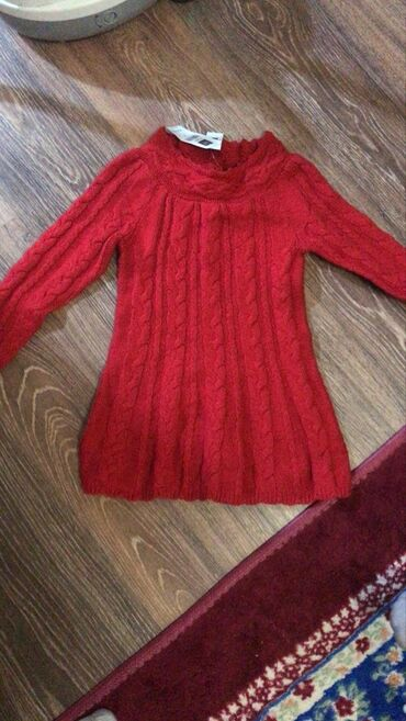 Вязаное платье новое на 5-6лет