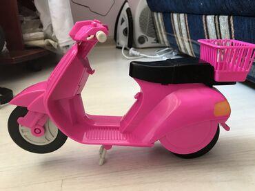 Продаются игрушки В хорошем состоянии.  Мотоцикл 300с  Кухня 1000с  Пи