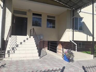 коммерческие-помещения в Кыргызстан: Продаю нежилое помещение, под бизнес, Айни-Чапаева, 117м2, в