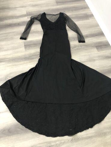 вечернее платья русалка в Кыргызстан: Продаётся очень красивое платье. Фото не передаёт всю красоту. Спинка