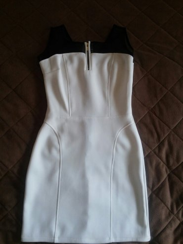 Bela haljina uni velicina, ali prepravljena za S velicinu. Rasteze se, - Nis