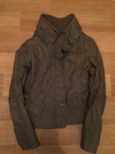 Куртка GUESS оригинал, цвет хаки. Отличное состояние. в Бишкек